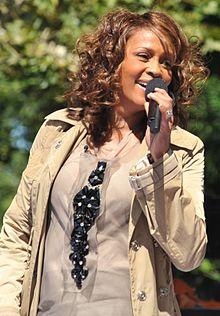 HOUSTON 220px-Flickr_Whitney_Houston_performing_on_GMA_2009_4