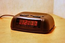 DIGITAL ALARM CLOCK 220px-Digital-clock-radio-basic_hf WIKIPEDIA